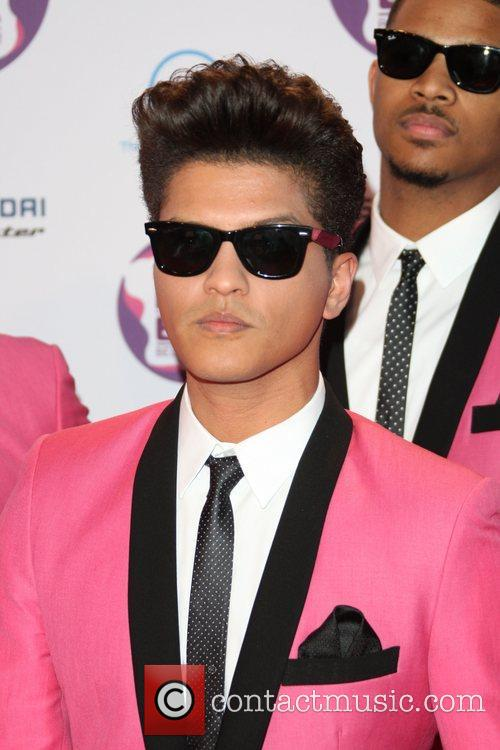 Bruno Mars and Mtv European Music Awards 4