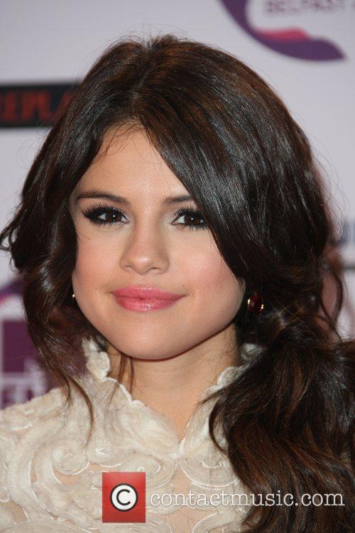 Selena Gomez and Mtv European Music Awards 7