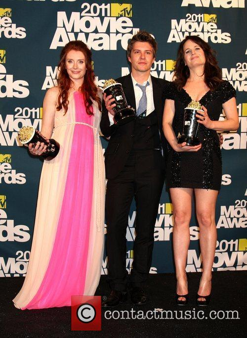 Bryce Dallas Howard, Elizabeth Reaser and Xavier Samuel 3