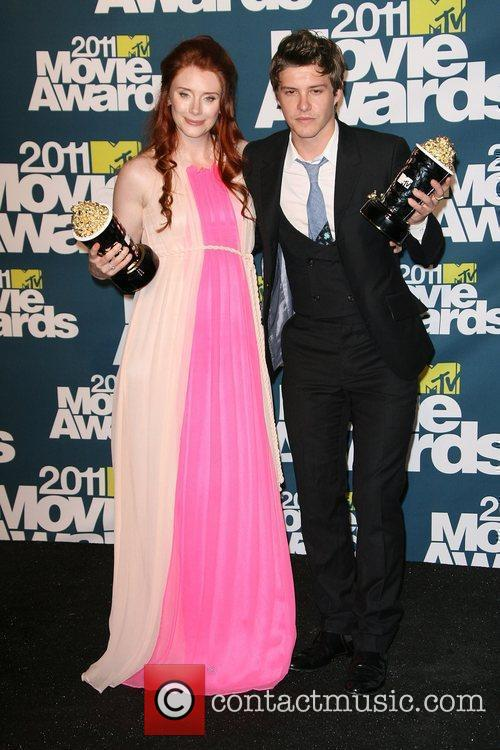 Bryce Dallas Howard and Xavier Samuel 6