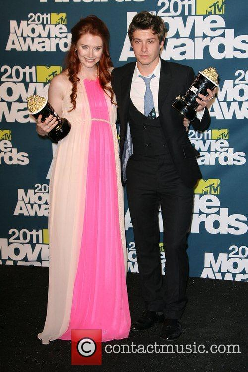 Bryce Dallas Howard and Xavier Samuel 5