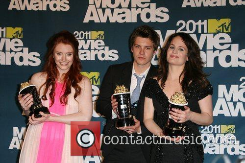 Bryce Dallas Howard, Elizabeth Reaser and Xavier Samuel 11