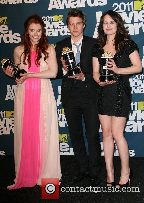 Bryce Dallas Howard, Elizabeth Reaser and Xavier Samuel 8