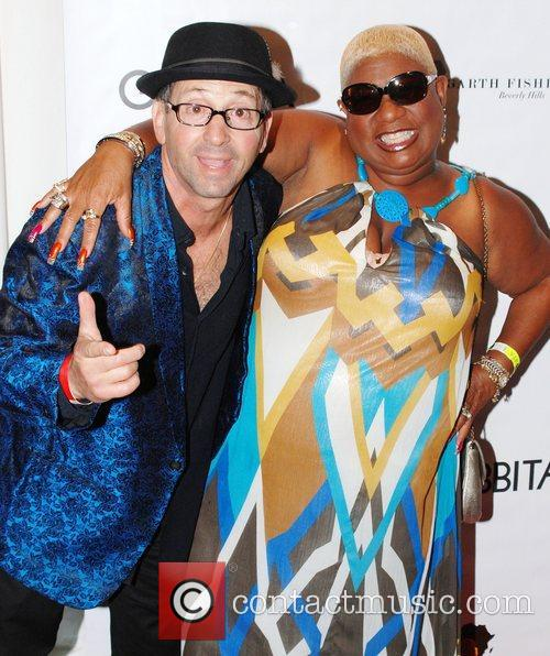Johnny Venocur and Luenell MTV Movie Awards Gifting...