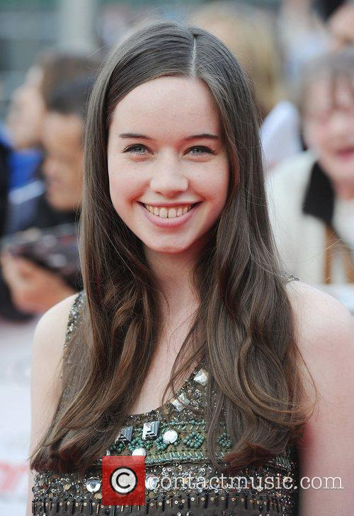 Anna Popplewell 6