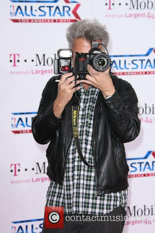 Dustin Hoffman T-Mobile Magenta Carpet At The 2011...