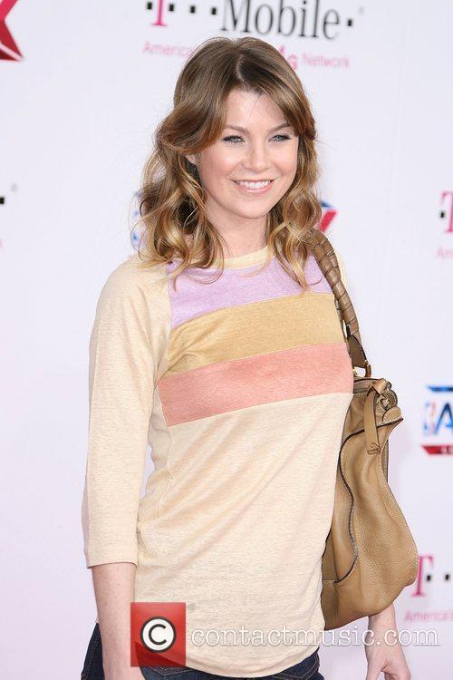 Ellen Pompeo T-Mobile Magenta Carpet At The 2011...