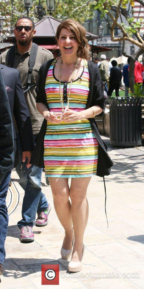 Nia Vardalos at The Grove to film an...
