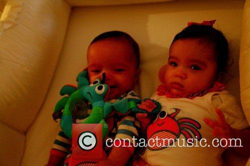 Nick Cannon tweeted this picture of his twins...