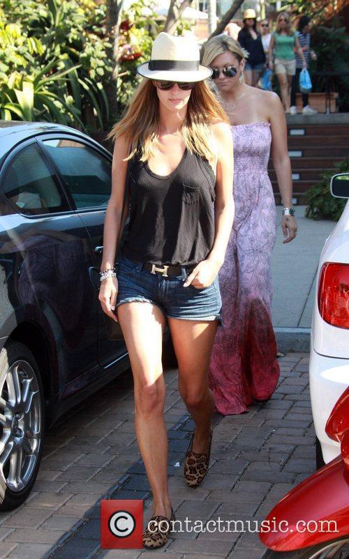 Nicky Hilton heads for Malibu Beach in her...