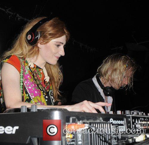 Girls Aloud and Nicola Roberts 13