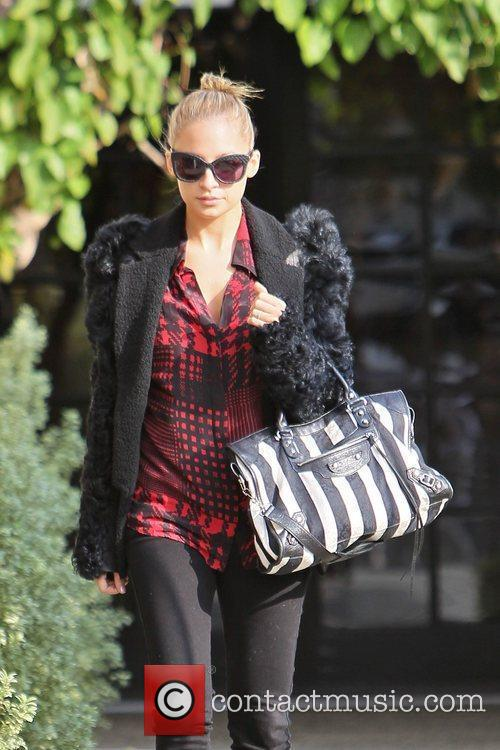 Nicole Richie leaves Andy Lecompte hair salon with...