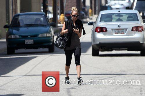Nicole Richie does her usual workout routine at...