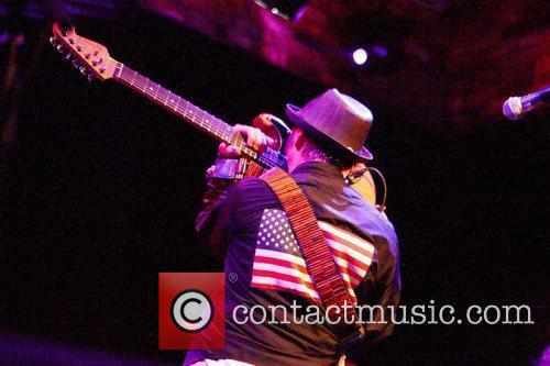 Nils Lofgren and E Street Band 9