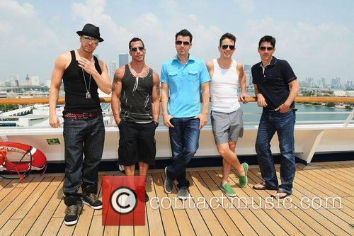 Donnie Wahlberg, Joey Mcintyre, Jonathan Knight and Jordan Knight 3