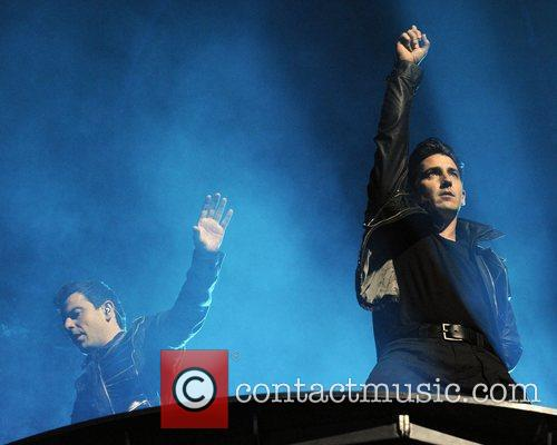 Jordan Knight and Jonathan Knight 4