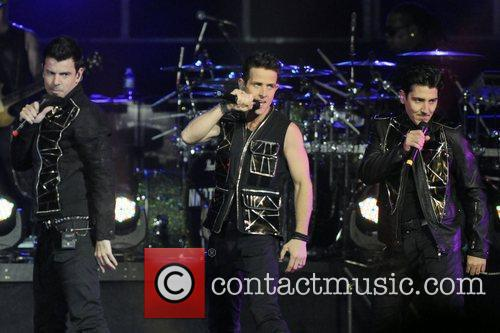 Jordan Knight, Joey Mcintyre and Jonathan Knight 1