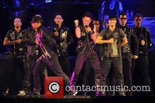 Joey Mcintyre, Backstreet Boys and New Kids On The Block 1