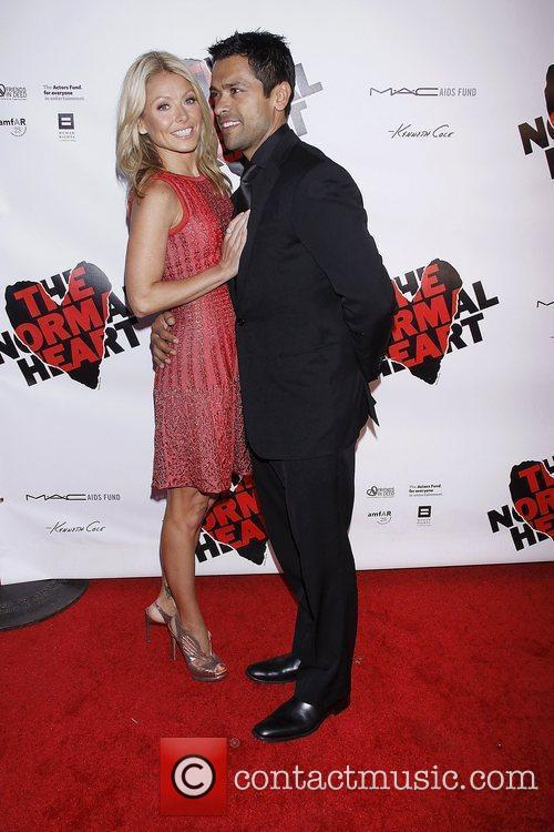 Kelly Ripa and Mark Consuelos 4