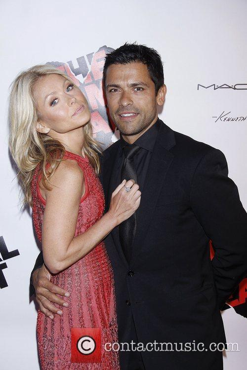 Kelly Ripa and Mark Consuelos 2