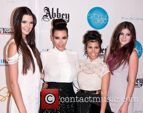 Kendall Jenner, Kim Kardashian, Kourtney Kardashian and Kylie Jenner 2