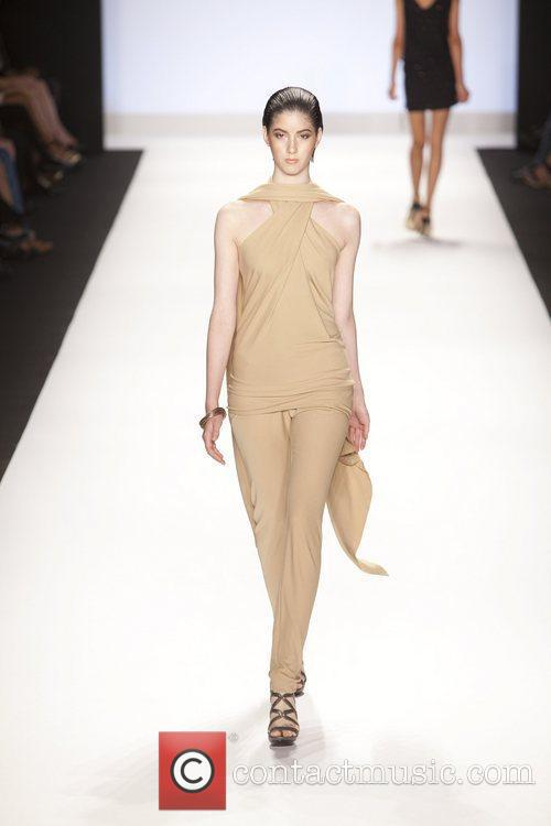 Model and Heidi Klum 22