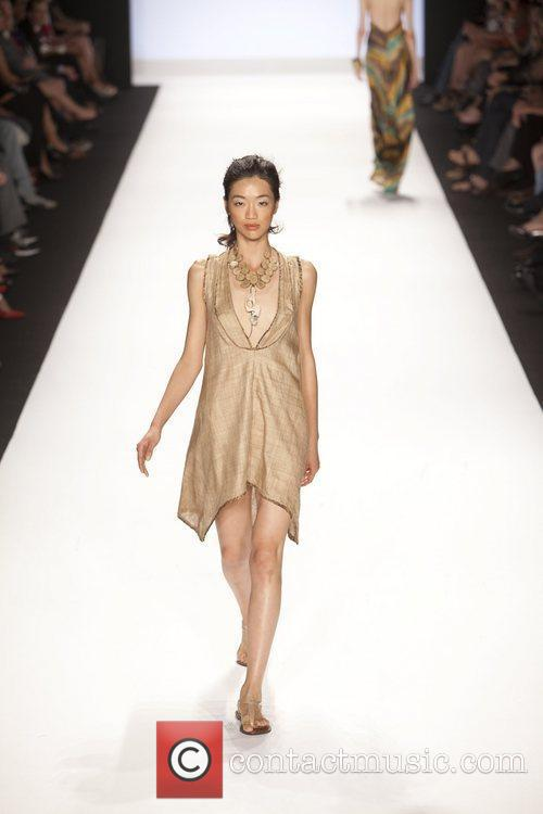 Model and Heidi Klum 16