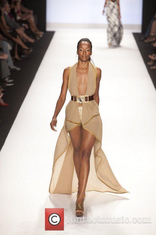 Model and Heidi Klum 43
