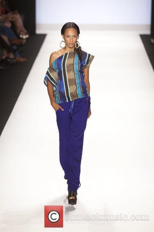 Model and Michael Kors 14