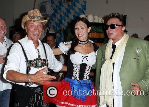 Siegfried Fischbacher Eugenia Cho and Roy Horn Siegfried...