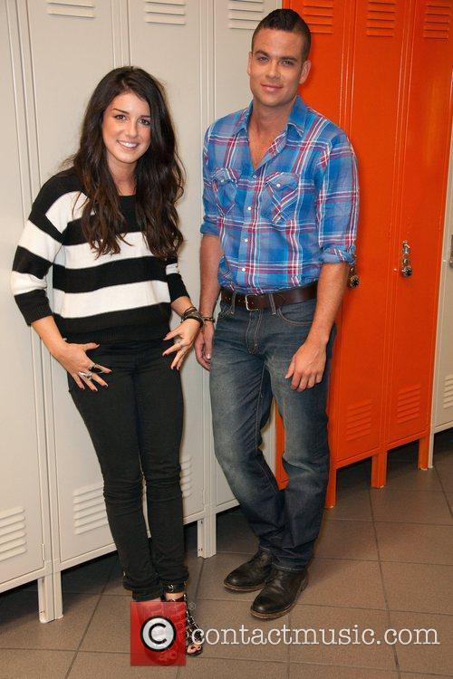 Shenae Grimes, Glee and Mark Salling 5