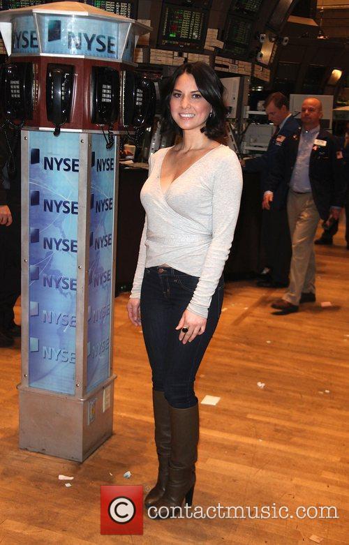Olivia Munn and Stock 9