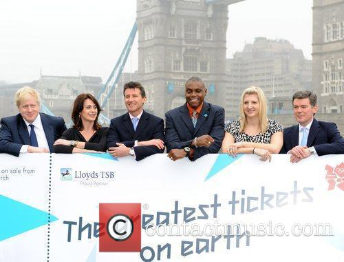 Boris Johnson, Carl Lewis and Rebecca Adlington 4