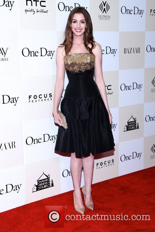 Anne Hathaway 16