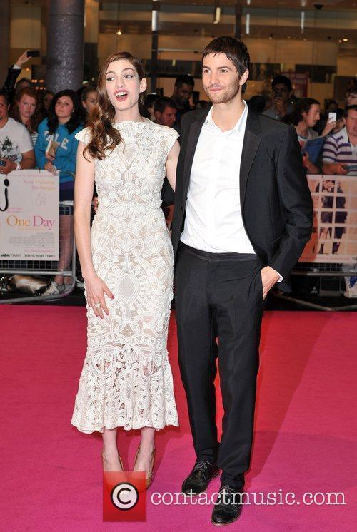 Anne Hathaway and Jim Sturgess 3