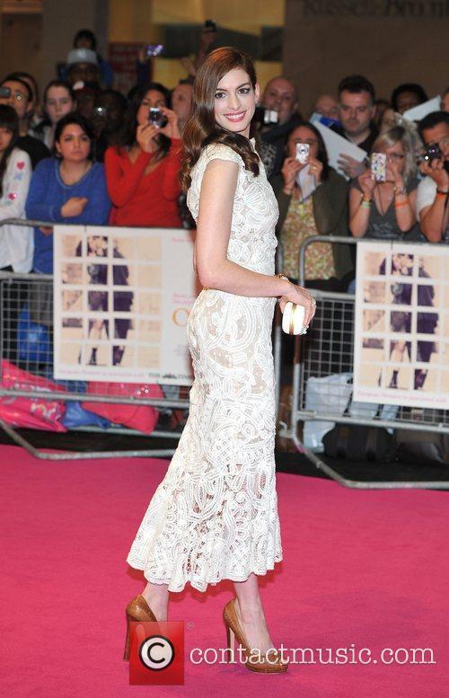 Anne Hathaway 27
