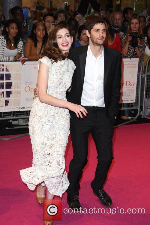 Anne Hathaway and Jim Sturgess 17