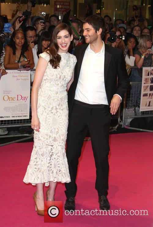 Anne Hathaway and Jim Sturgess 13