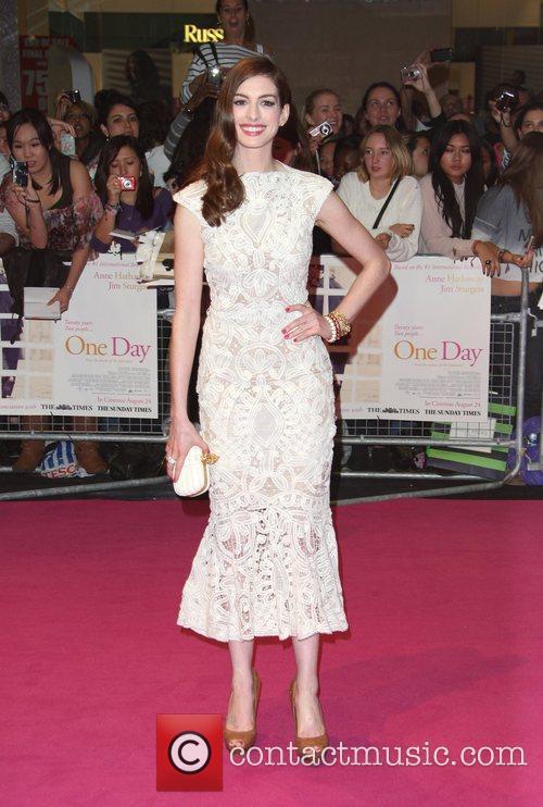 Anne Hathaway 38