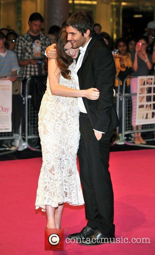 Anne Hathaway and Jim Sturgess 5
