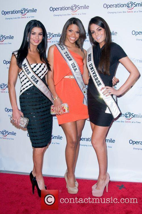 Kamie Crawford, Rima Fakih, Ximena Navarrete The 8th...
