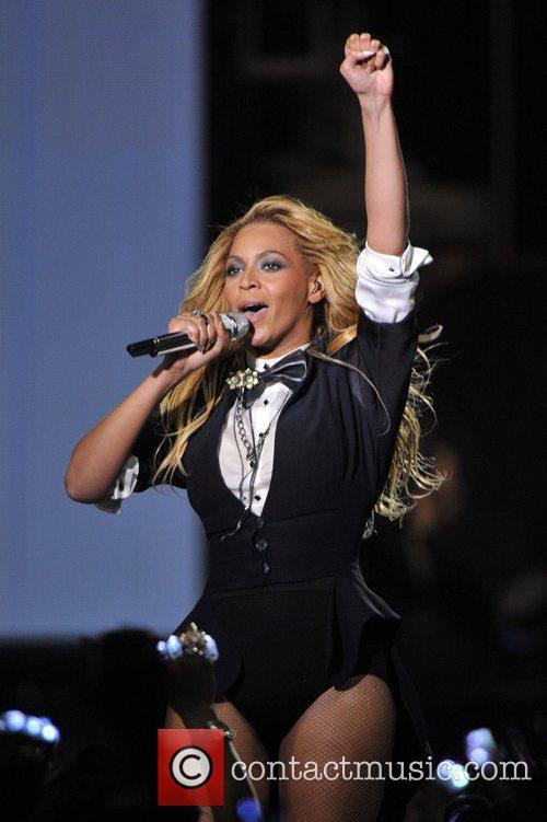 Beyonce Knowles, Dakota Fanning and Oprah Winfrey 1