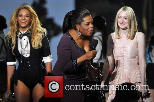 Beyonce Knowles, Dakota Fanning and Oprah Winfrey 7