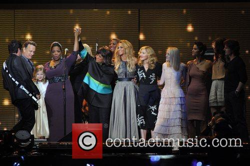 Patti Labelle, Beyonce Knowles, Dakota Fanning and Madonna 1