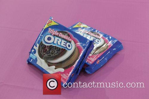 Atmosphere Launch the Triple Double Oreo cookie game...