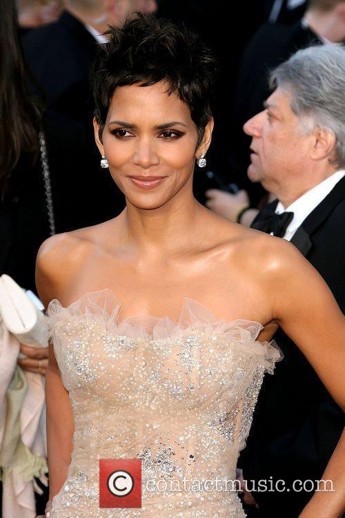 Halle Berry, Academy Of Motion Pictures And Sciences and Academy Awards 7