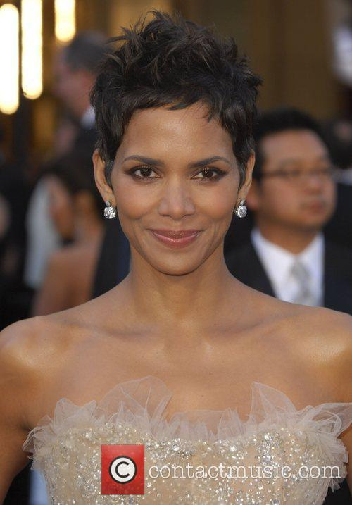 Halle Berry, Academy Awards and Kodak Theatre 8