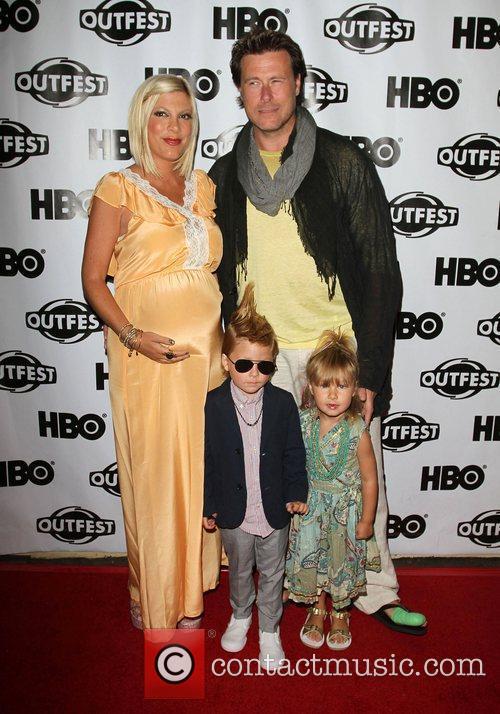 Dean McDermott Tori Spelling Family