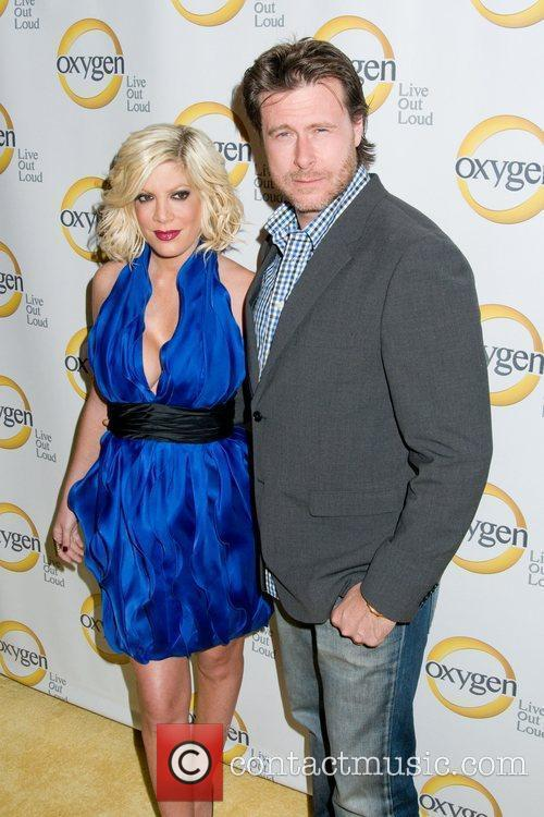 Tori Spelling and Dean Mcdermott 3