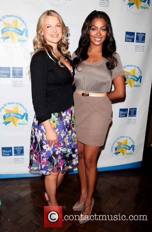 Ali Larter and LaLa Vazquez Pampers partners with...